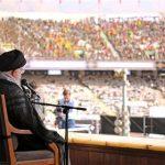 امام خامنه ای در ورزشگاه آزادی:تحریم را شکست خواهیم داد\آمریکا از انقلاب اسلامی سیلی خورده است